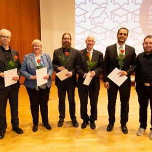 Die Preisträger des stuvus-Sonderpreises für außergewöhnliches Engagement in der Lehre mit dem Laudator. (Prof. Göddeke, 3.v.l)